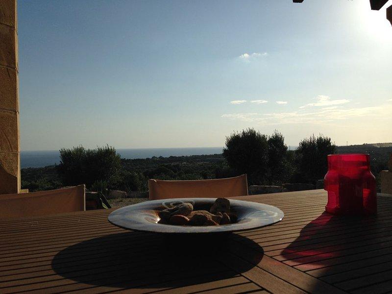 Castrignano Del Capo: Villa con splendida vista mare a 4 km da Santa Maria di Le, holiday rental in Marina di Felloniche
