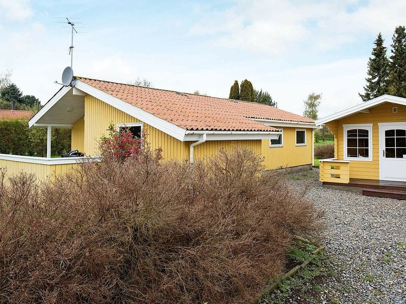Luxurious Holiday Home in Stege with Sauna, holiday rental in Rødvig