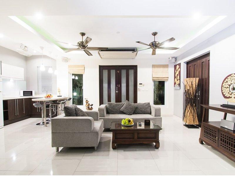 beautiful penthouse with jacuzzi on terrace – semesterbostad i Pattaya
