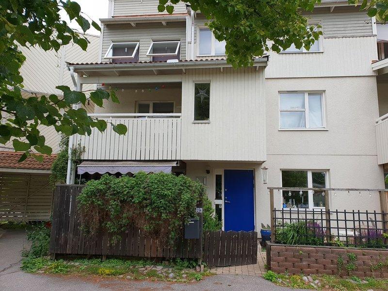 Spacious townhousetownhouse 20 min from Stockholm., aluguéis de temporada em Sigtuna