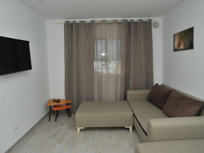 APPARTEMENT DE LUXE BORD DE MER KANTAOUI, vacation rental in Sousse