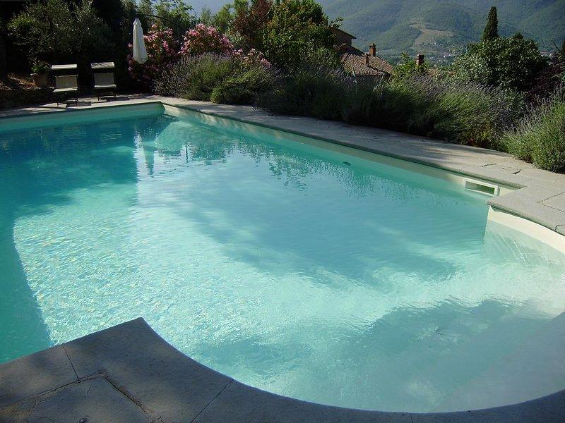 Beautiful And Historic Property, Fantastic Views All Around. Family Friendly., location de vacances à Castiglion Fiorentino