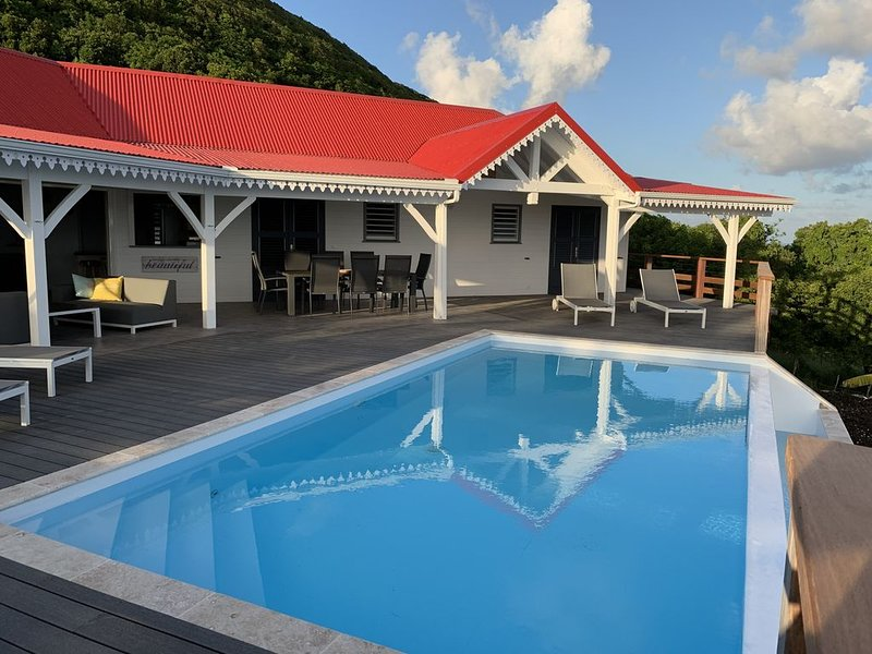 Villa Coco Caline , 3 chambres pour 6 personnes, piscine à débordement, holiday rental in Marie-Galante