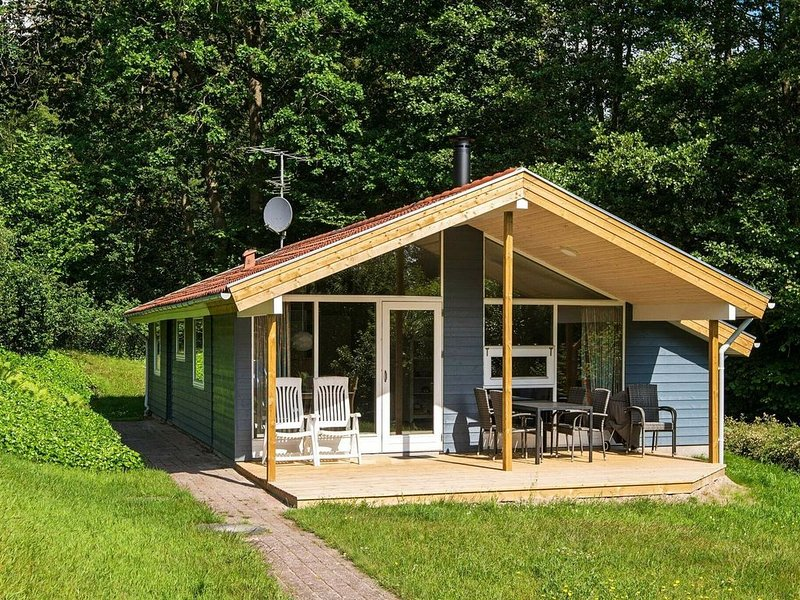 Quaint Holiday Home in Børkop with Swimming Pool, vacation rental in Skive