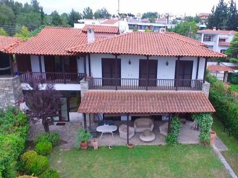 Villa at Panorama Thessaloniki, alquiler vacacional en Souroti