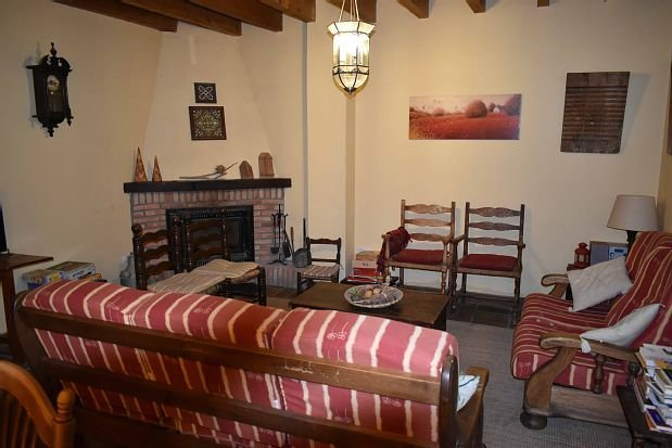 Casa rural (alquiler íntegro) Las Vicarias para 11 personas, vacation rental in Monteagudo de las Vicarias