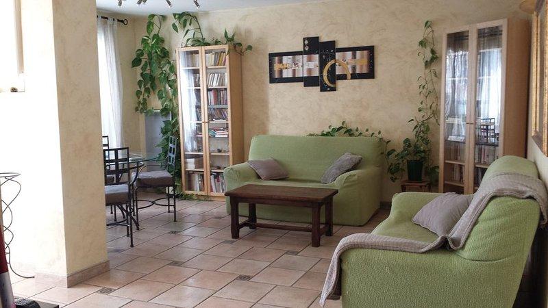 Rez-de-Jardin à la Farlède en Provence-Côte d'azur, holiday rental in Sollies-Pont