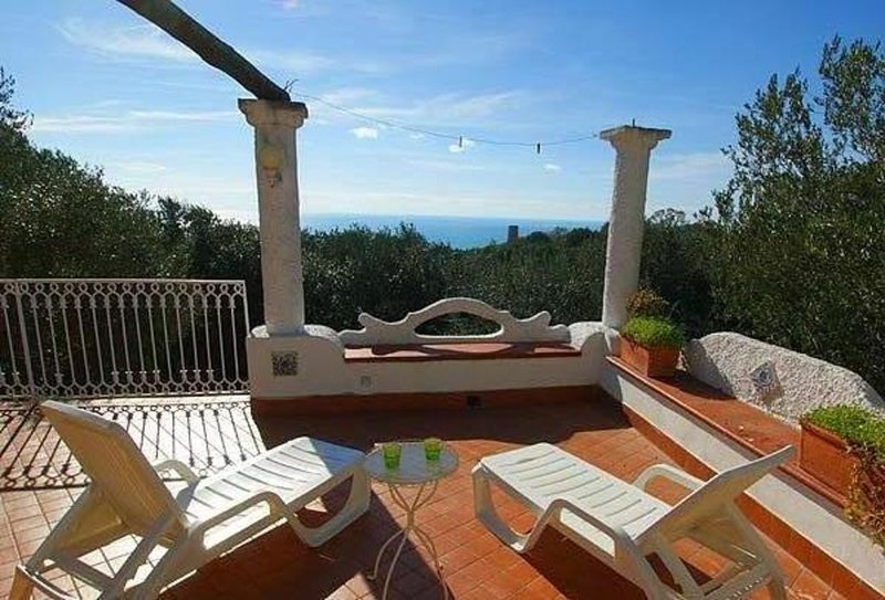 Marina di Camerota - Splendida Villa fino a 8 persone, vacation rental in Acquavena