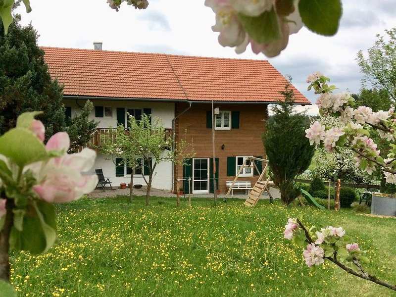 Modern Apartment in Lindegg with Balcony, holiday rental in Upper Bavaria