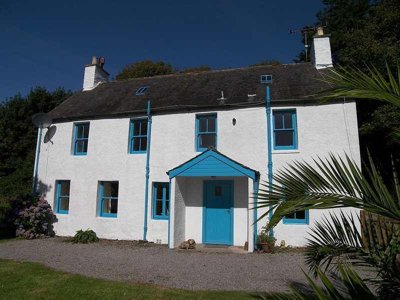 Beautiful, Detached Cottage with Spectacular Sea Views over Solway Firth, vacation rental in Garlieston