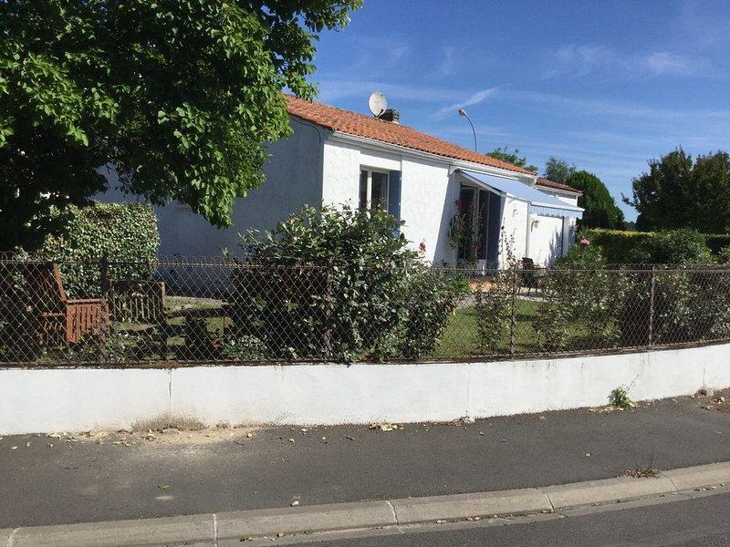 Lovely Bungalow in super village, location de vacances à Les Mathes