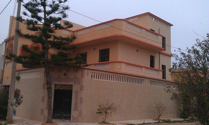Grande Villa Bousfer plage, Oran proche de la plage, location de vacances à Oran Province