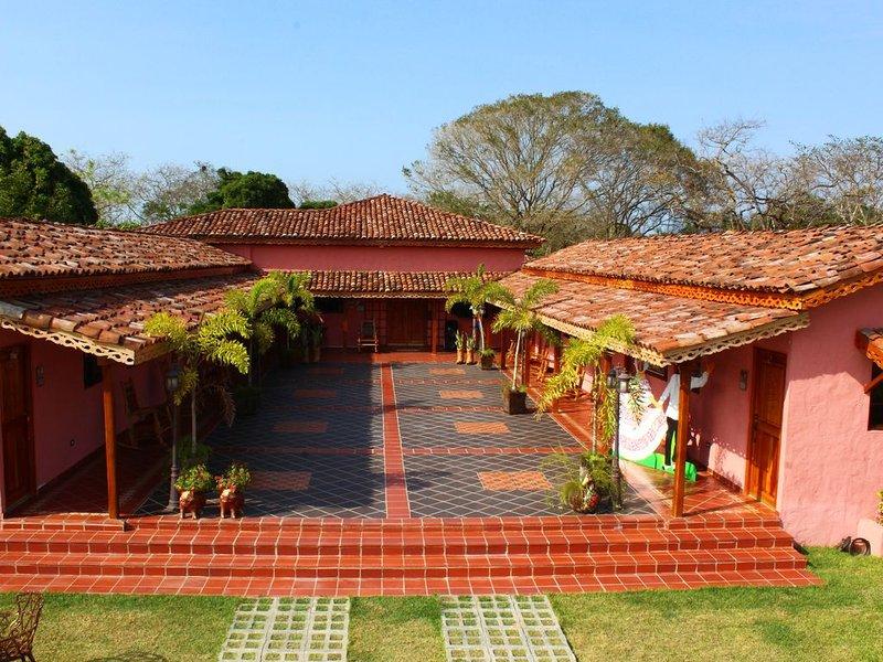 Casa de Quincha / Se alquila completa 6 cuartos, holiday rental in Los Santos Province