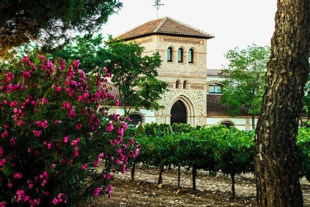 Casa rural (alquiler íntegro) Caserío de los Palacios para 12 personas, Ferienwohnung in Los Yebenes