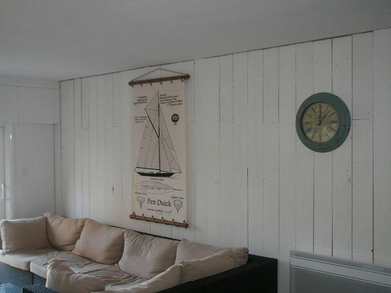 Grand Appartement duplex Accès direct aux plages, location de vacances à Arzon
