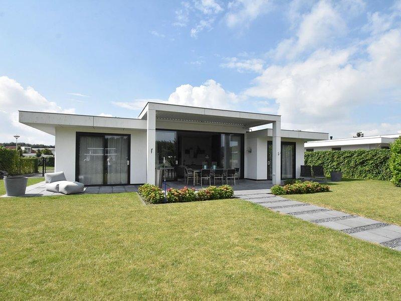 Pleasant Villa in Harderwijk with Fenced Garden and Jetty – semesterbostad i Provinsen Flevoland