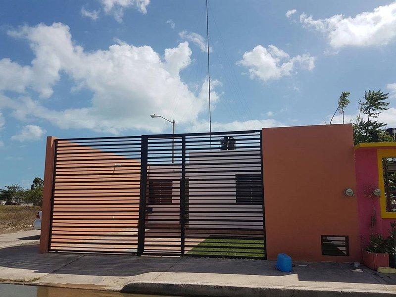 CASA CON ESTACIONAMIENTO PRIVADO, vacation rental in Copper Bank