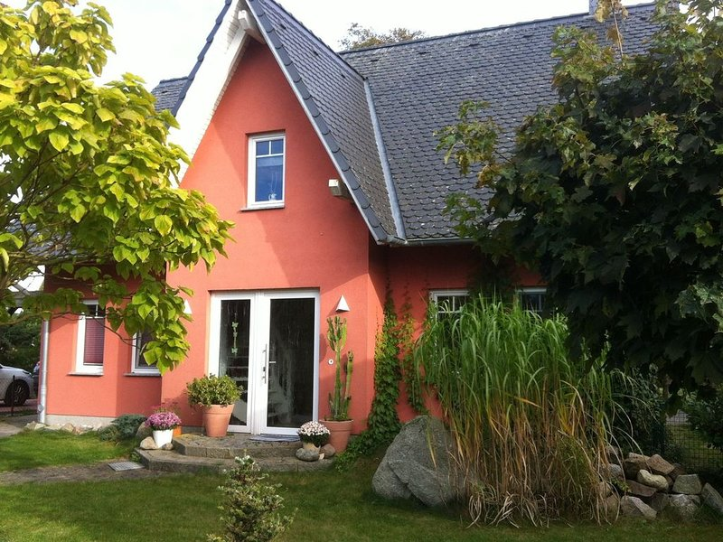 Quiet Holiday Home in Fliemstorf Germany with Beach Near, holiday rental in Zierow