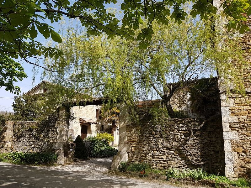 Le Four à Pain - Les Gîtes de la Grande Grange, vacation rental in Puy-Saint-Martin