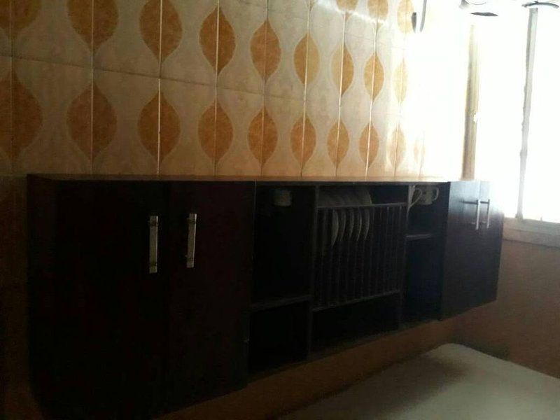 Entire, spacious, furnished 3beds en-suite, as holiday let with BrausengDelight, holiday rental in Ojodu