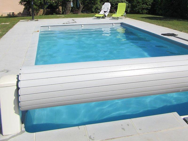 Gîte MARSOLINE à 900 m du château de Grignan, piscine privée chauffée  sécurisée, casa vacanza a Reauville