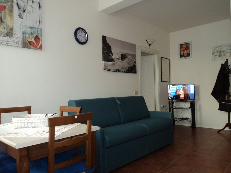 BELL'APPARTAMENTO TRA MODENA E BOLOGNA, vacation rental in Ravarino
