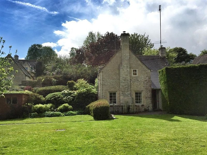 Spring Cottage, BIBURY, holiday rental in Cirencester
