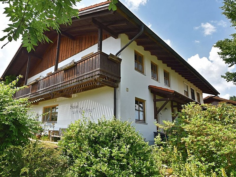Spacious holiday home with garden and balcony in Rinchnach in the Bavarian Fores, holiday rental in Spiegelau