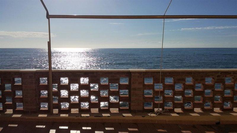 Beach House OnTheSea, location de vacances à Santa Marinella