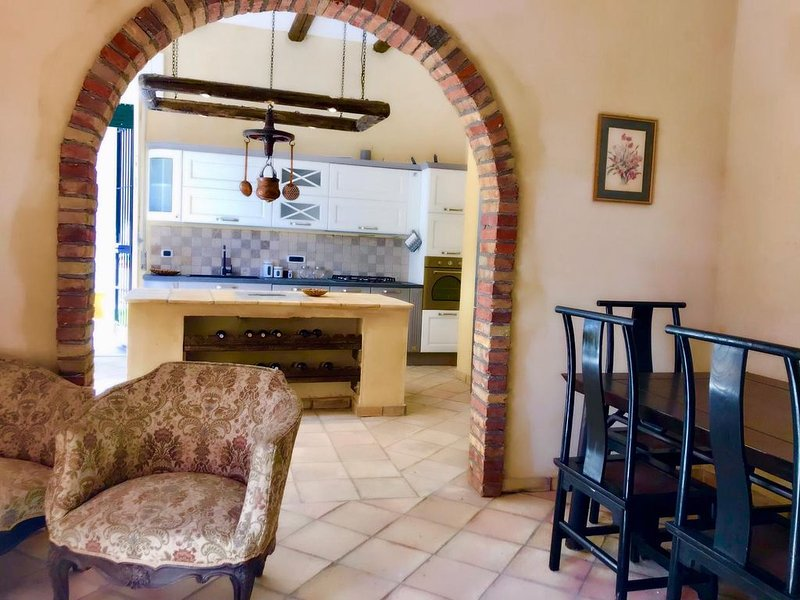 Appartamento San Francesco - casa vacanze, vakantiewoning in Pietrapaola