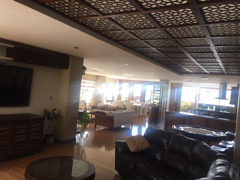 APARTAMENTO DE LUJO EN EL CORAZON DE CUENCA, location de vacances à Cuenca