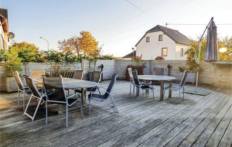 4 Zimmer Unterkunft in Hersdorf, vacation rental in Orlenbach