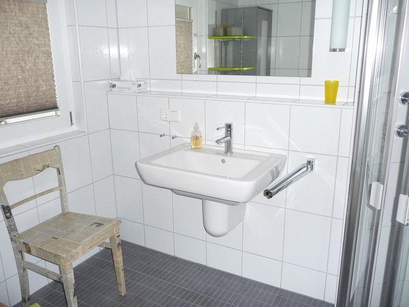 Helle lichtdurchflutete 55 qm Ferienwohnung mit Terrasse, location de vacances à Schonau an der Brend