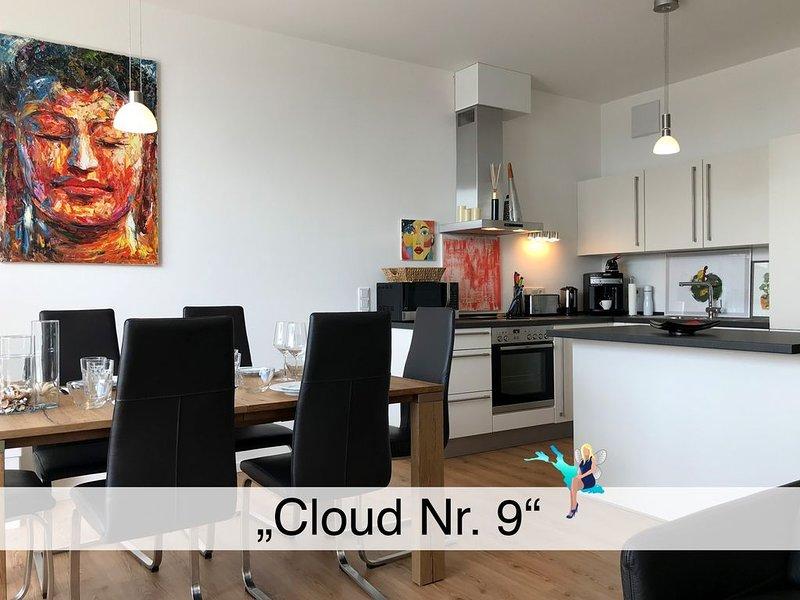 3 Zimmer Maisonette Neubau Wohnung mit großem Balkon und Seesicht auf der Insel, holiday rental in Wasserburg