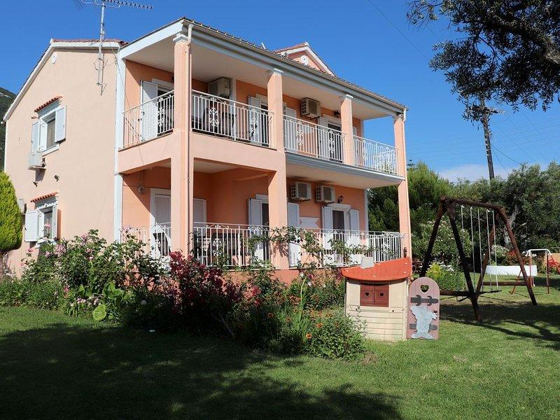 Ideal für Familien! Ferienwohnung mit Garten in Strandnähe, Wifi | Prassoudi, Ko, holiday rental in Agios Matthaios