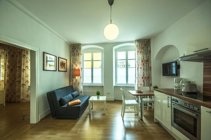 Ferienwohnung Mediterran 1, 50 qm, 1 Schlafzimmer, max. 3 Personen, holiday rental in Bregenz