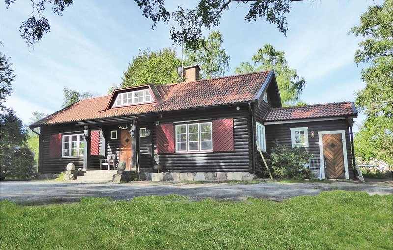 4 Zimmer Unterkunft in Kvicksund, holiday rental in Vastmanland County