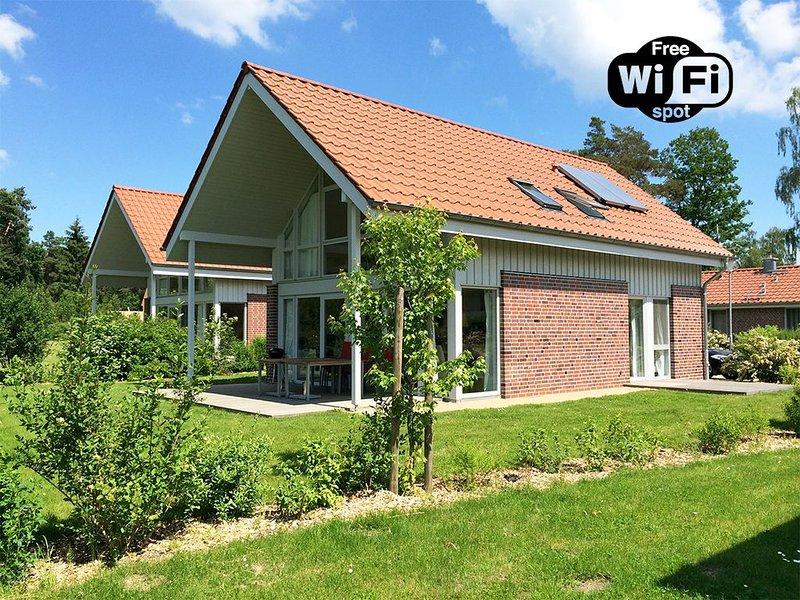 Traumhaftes Ferienhaus mit Kamin & grossem Garten in Roebel, location de vacances à Roebel