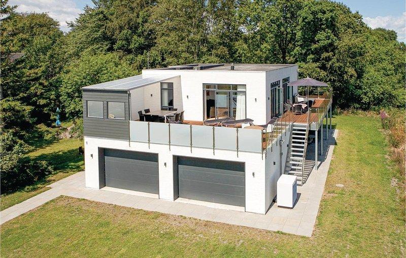 5 Zimmer Unterkunft in Hadsund, vacation rental in Hals