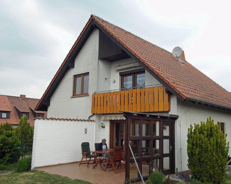 Neu renovierte 58 qm Ferienwohnung mit Balkon, vacation rental in Burgpreppach