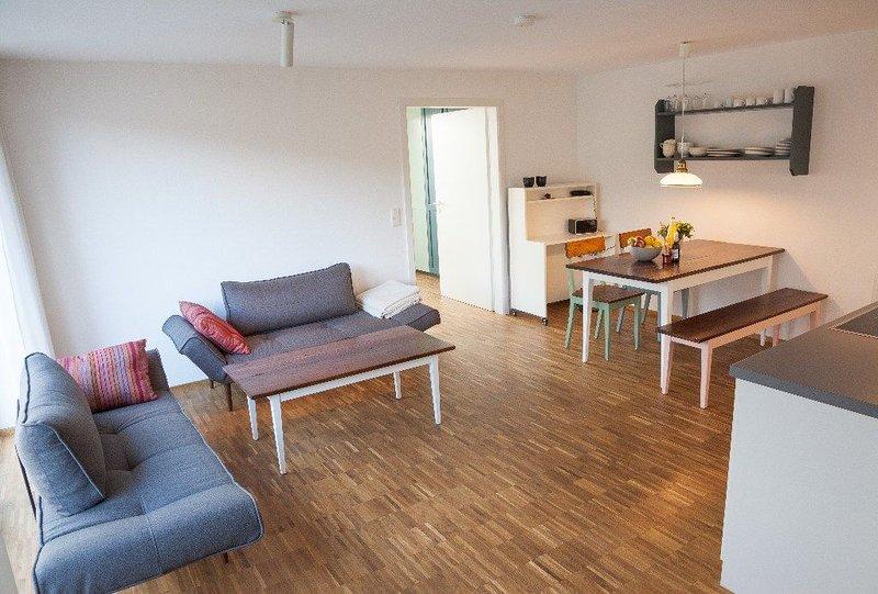 Ferienwohnung Schambachhof, 50 qm mit Terrasse und 1 Schlafraum für max. 2 Erw., holiday rental in Umkirch