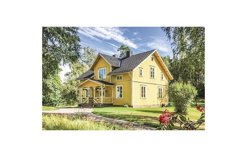 4 Zimmer Unterkunft in Mullsjö – semesterbostad i Mullsjö