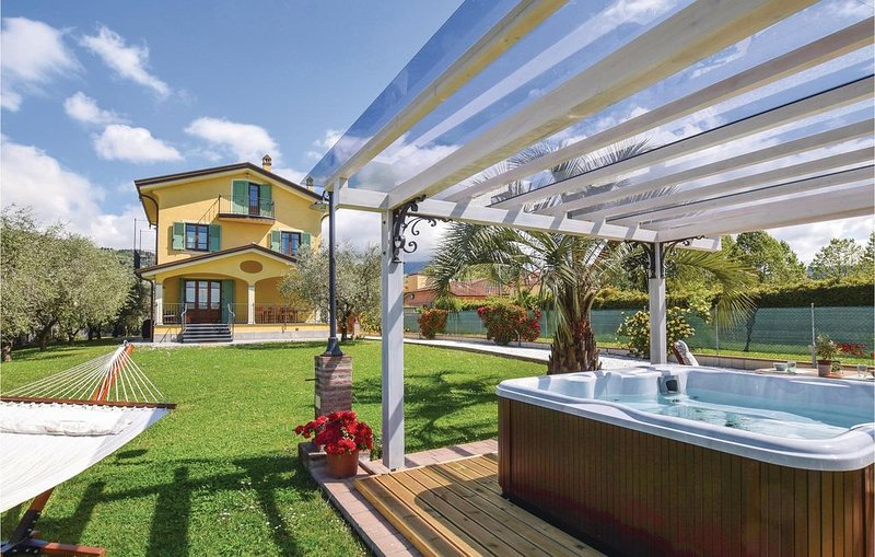 4 Zimmer Unterkunft in Piano di Con.Massarosa, location de vacances à Piano di Conca
