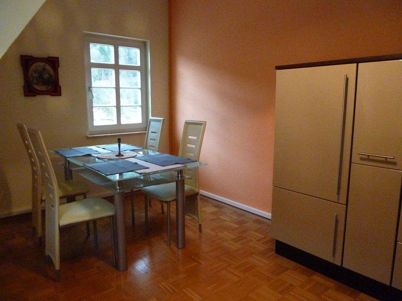 Ferienwohnung, ca. 75qm, 1 Schlafzimmer, max. 2 Personen, alquiler vacacional en Bad Wildbad