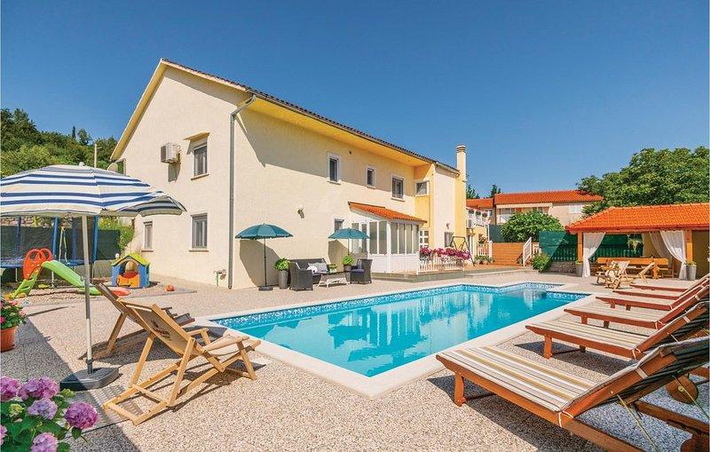 6 Zimmer Unterkunft in Zmijavci, vacation rental in Velim