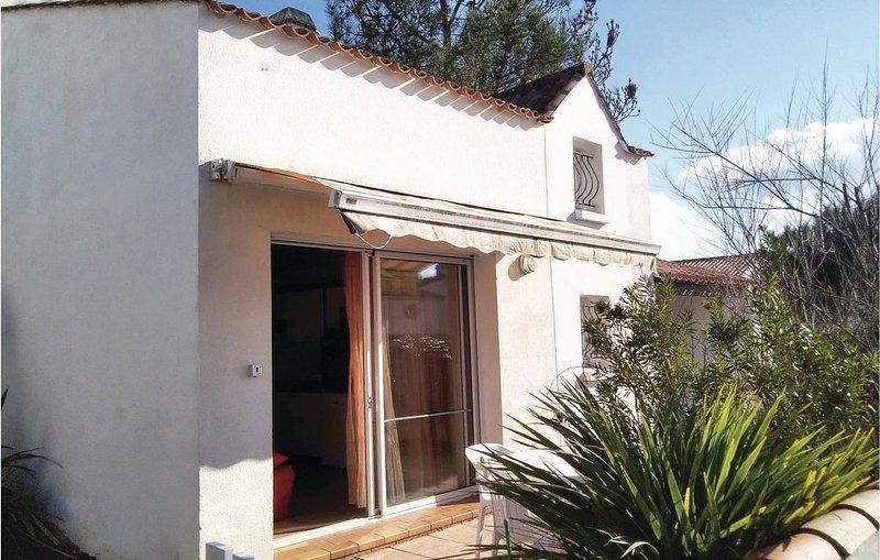 1 Zimmer Unterkunft in La Tranche sur Mer, vacation rental in La Tranche sur Mer