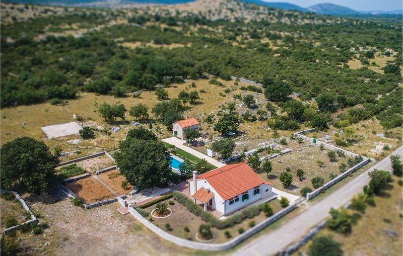 3 Zimmer Unterkunft in Konjevrate, holiday rental in Pakovo Selo