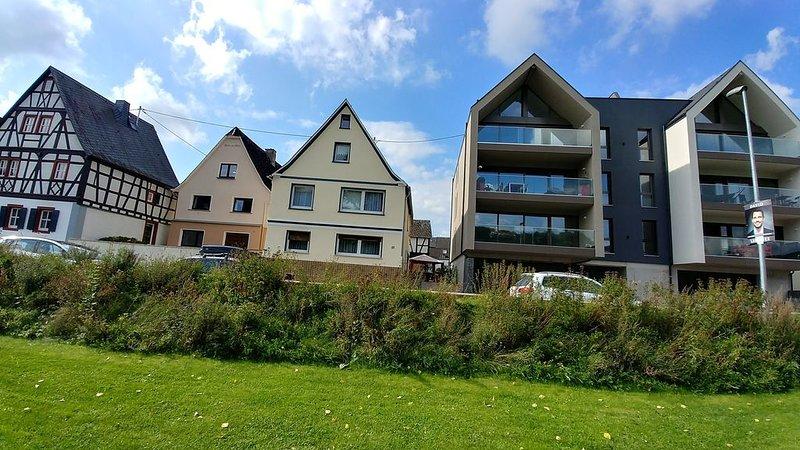 mit Blick auf den Rhein, location de vacances à Welschneudorf