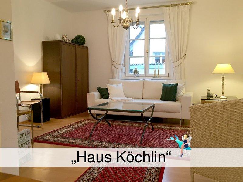 In Lindau, charmant, mit Terrasse, eigenem geschützten Garten und Parkplatz, holiday rental in Bregenz