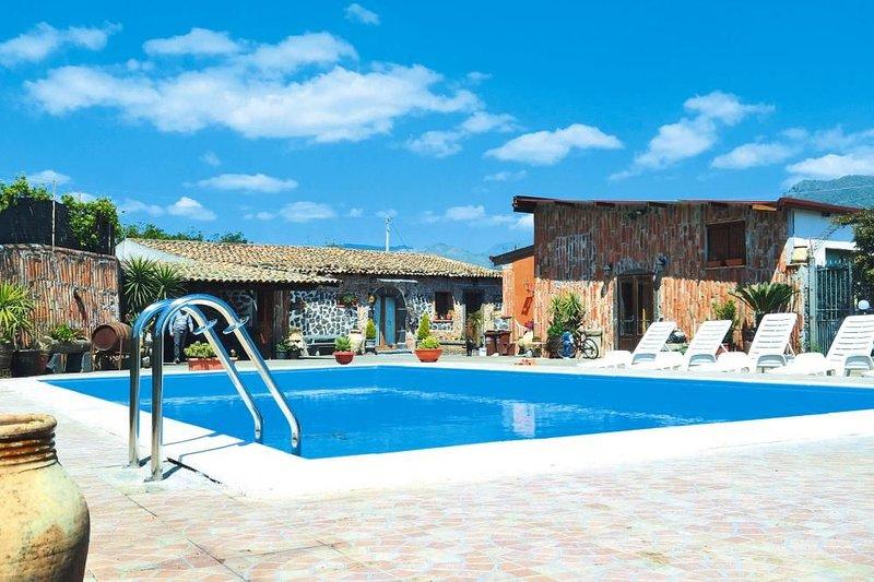 Ferienhaus, Castiglione di Sicilia, holiday rental in Solicchiata